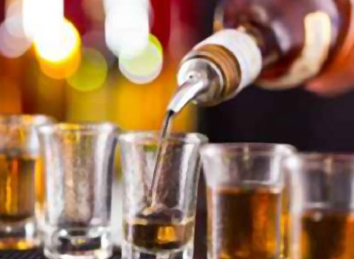 Vendita di alcolici: torna la licenza fiscale