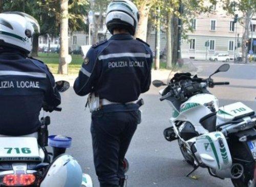 Pubblico impiego – polizia municipale – turnisti – turno nei giorni festivi – turno in giorni festivi infrasettimanali – compenso aggiuntivo – cumulo - condizioni