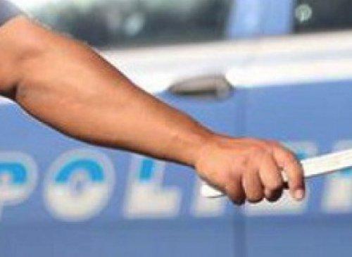 Inottemperanza all'alt imposto dagli agenti: integra il reato di resistenza a pubblico ufficiale