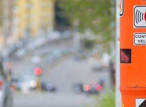 Il superamento di 0,1 del limite di velocità giustifica l'applicazione della relativa sanzione
