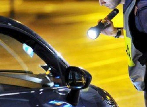 Mancato uso della cintura di sicurezza - Impossibilità della contestazione immediata per allontanamento del trasgressore