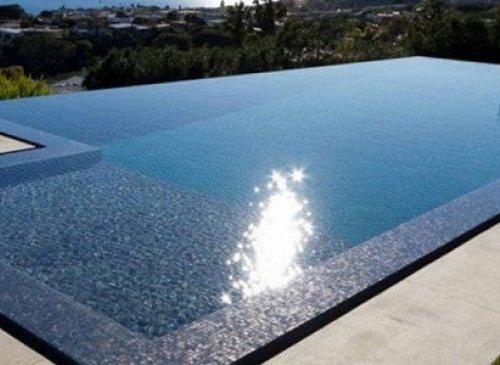 Realizzazione piscina interrata: necessari permesso di costruire e autorizzazione paesaggistica
