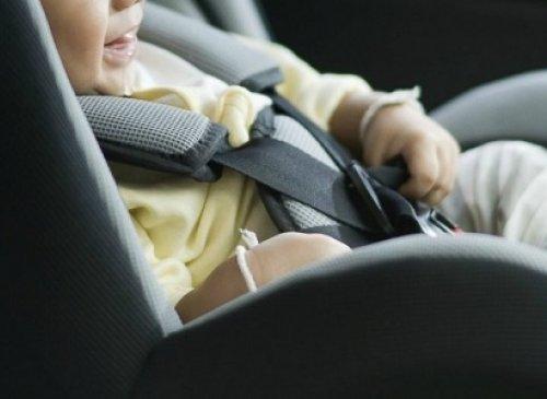 Dispositivi antiabbandono in auto, De Micheli firma il decreto - Obbligo operativo non appena il decreto sarà pubblicato in G.U.